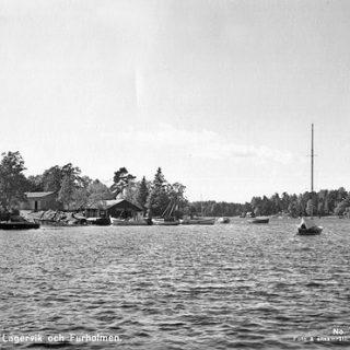 Utsikt över Lagerviks Fullservice Båtvarv på Blidö